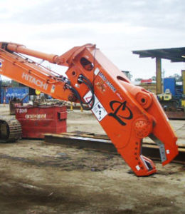 25ton excavator with Labounty sabre 2000 scrap shear