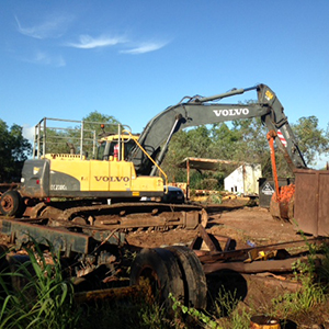 Volvo EC210CL with log grab and buckets