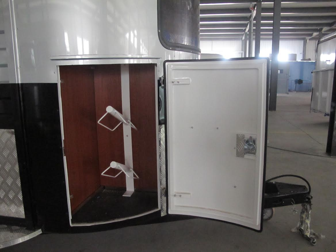 2-hsl-deluxe-saddle-rack